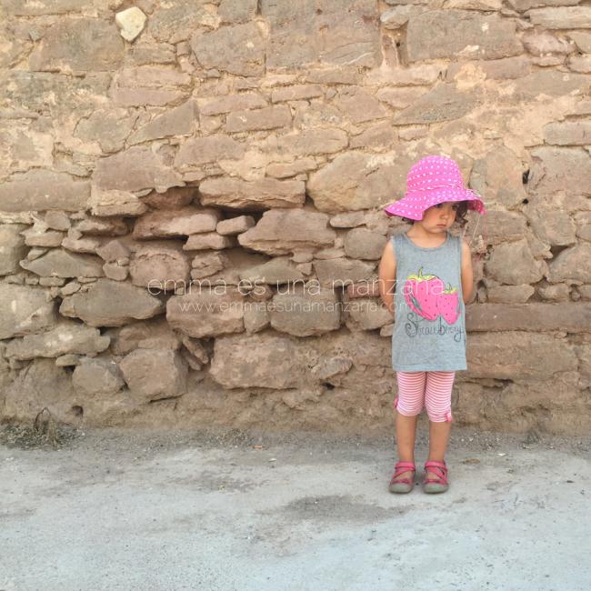 emma y su pamela rosa ¡inseparables este verano!