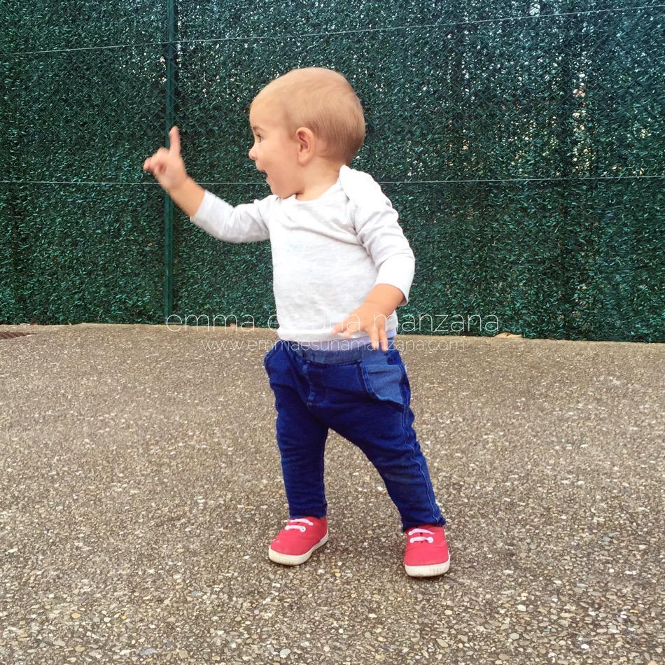 Imagen de Martín apuntando en el blog de Emma es una manzana