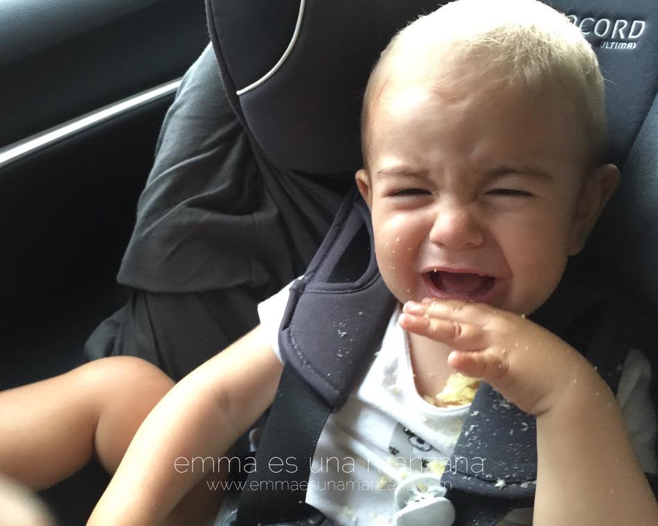 Martín berrea dentro del coche